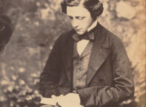 Imagen de la actividad Lewis Carroll : el hombre que amaba a las niñas : charla conferencia a cargo de Daniel Ramirez